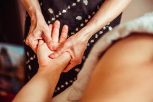 Anwendung: Vtialpunkt-Massage